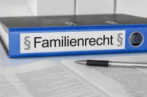 Aktenordner mit der Beschriftung Familienrecht