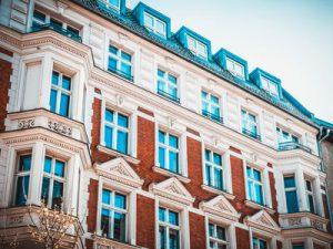Mietshaus mit Mietwohnungen in Berlin Außenansicht der Fassade